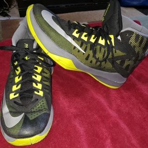 Nike basketball shoes size 8 (youth or men)